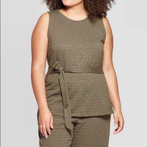 🆕🎉 Ava & Viv Plus Size CrewNeck Belted Knit Tank